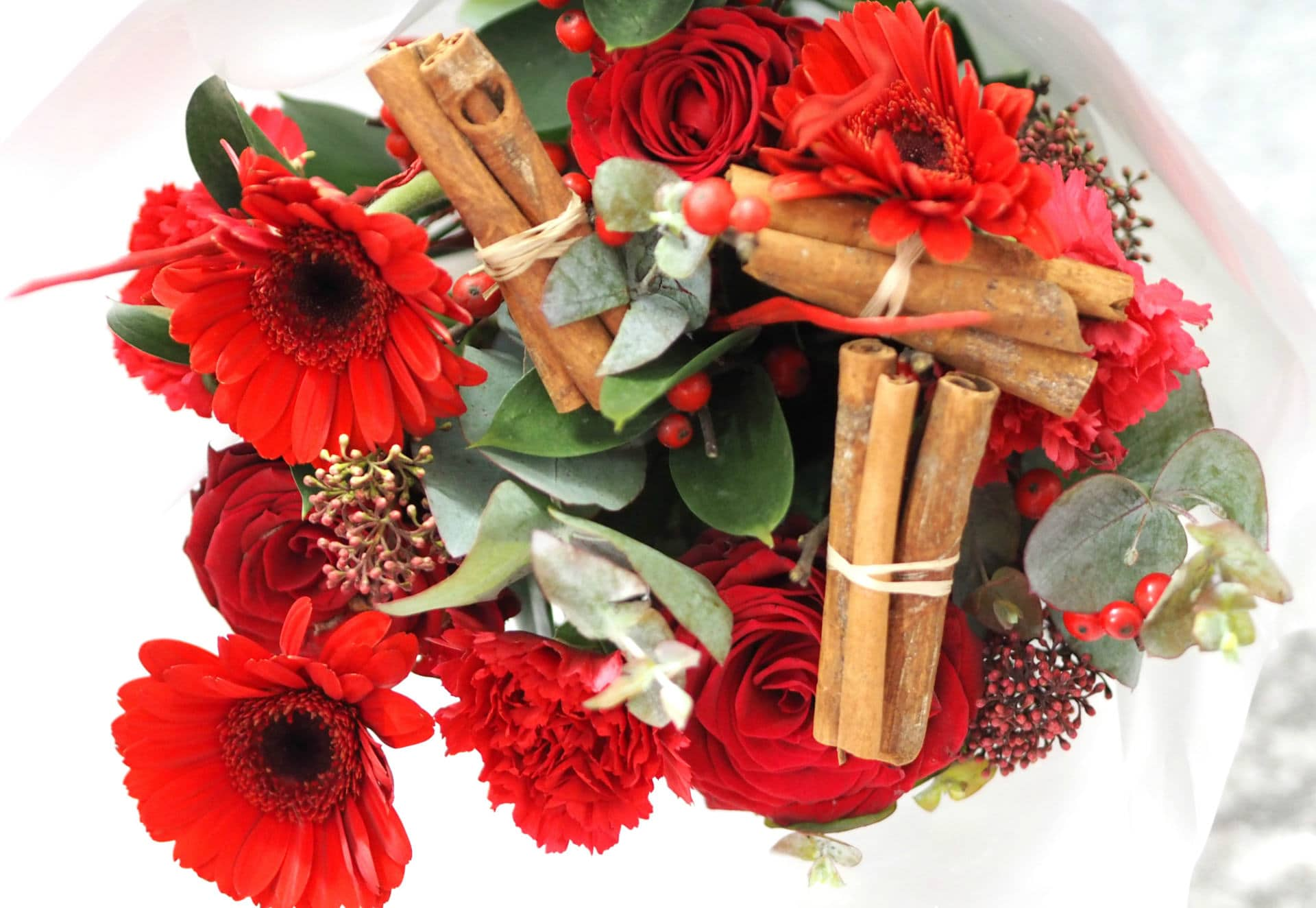 Blossoming Gifts Cinnamon Spice Christmas Bouquet
