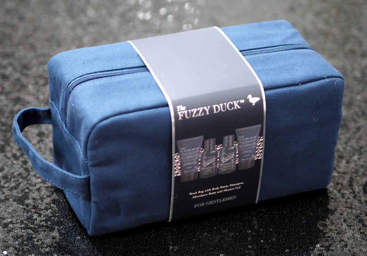 Fuzzy Duck Men's Pink Pepper & Oud Wash Bag