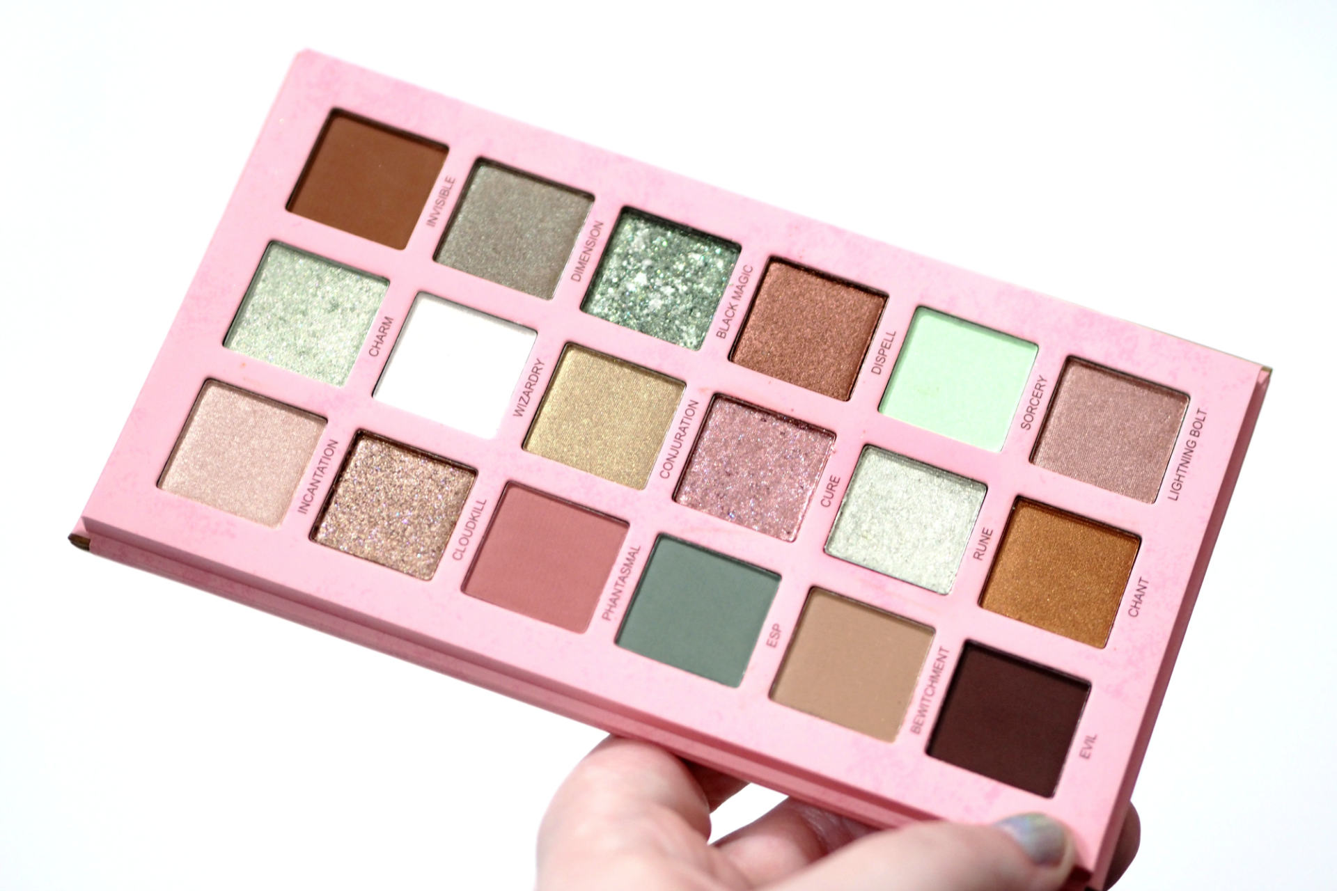 UCANBE Magic Spell Eyeshadow Palette Review and Swatches