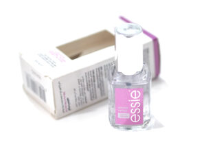 Essie Speed Setter Ultra Fast Dry Top Coat Review